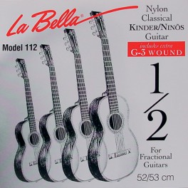 LaBella Fractional Series snarenset klassiek, 1/2 mensuur, clear nylon trebles, silverplated basses, extra G-3 (wound)