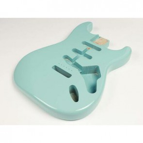 Boston vintage body Strat model 3 piece alder, sonic blue PU (made in Japan)